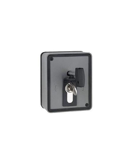 Commandes filaires SIMU pour rideaux metalliques : Boite à clef saillie avec débrayage incorporé